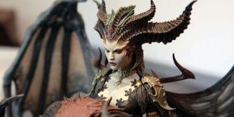 pracownicy blizzarda otrzymali statuetkę Lilith